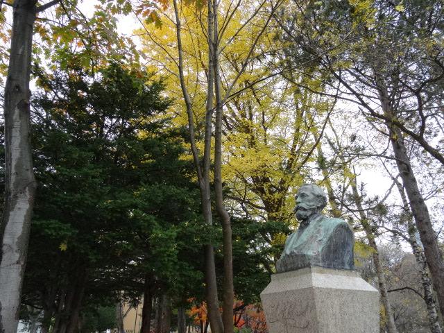 【北海道大学のクラーク像】